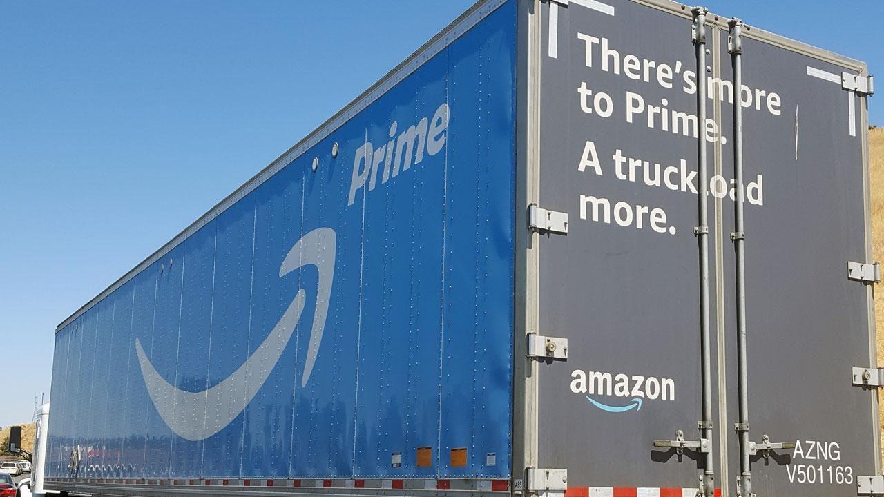 Amazon tour De Lit Luxe why Donald Trump is Taking Aim at Amazon