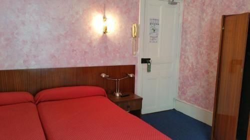 Comment Arrive Les Punaises De Lit Génial ОтеРь Hotel Luxia 2 Париж Бронирование отзывы фото — Туристер Ру