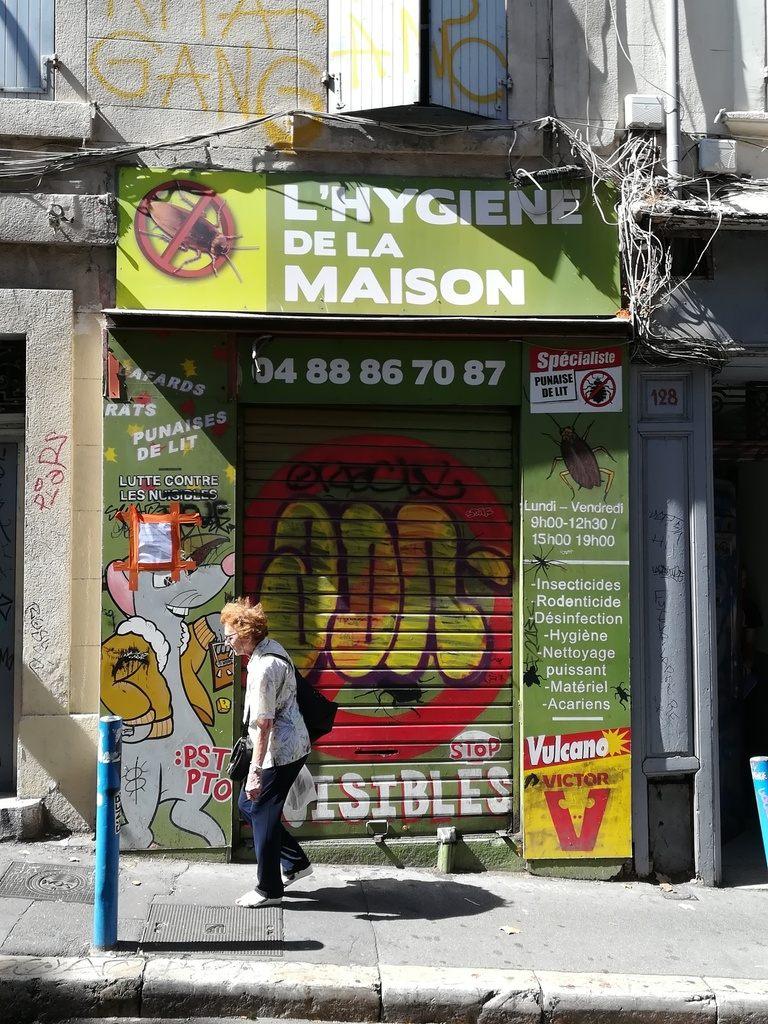 Rue d Aubagne Le Ravi de la Gavotte