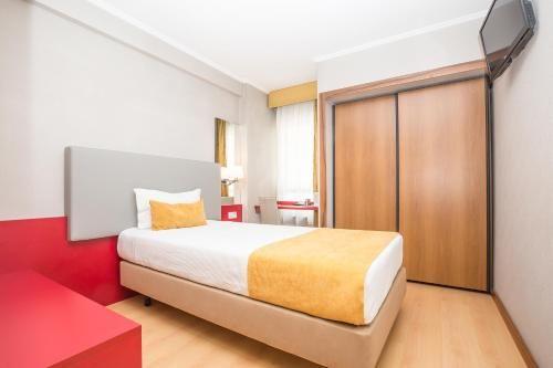Descente De Lit Pas Cher Magnifique ОтеРь Hotel 3k Madrid 4 Лиссабон Бронирование отзывы фото