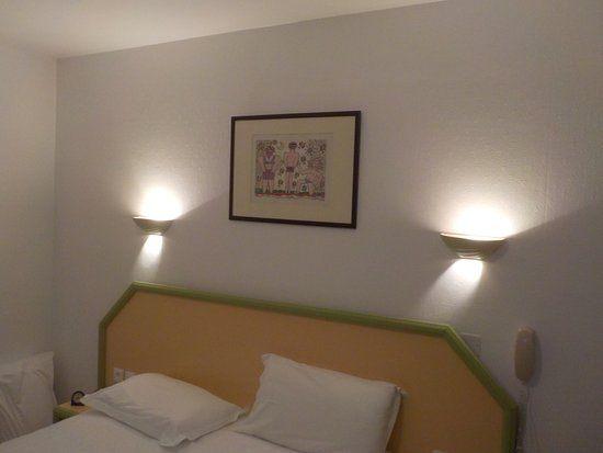 Grande Tete De Lit Belle Cadre De Dessus De Tªte De Lit Picture Of Hotel Provencal Saint