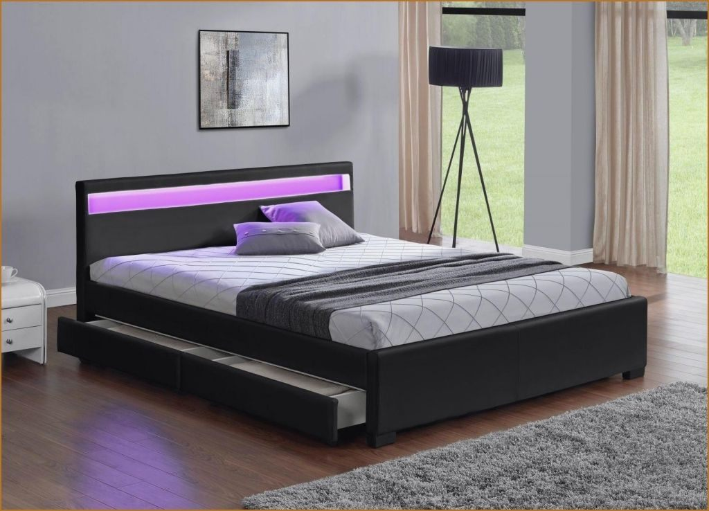 grande tete de lit frais tete de lit violet zochrim. Black Bedroom Furniture Sets. Home Design Ideas
