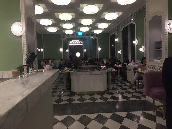 Lit 1 Place Blanc Joli Laduree Geneva Rue Du Mont Blanc 1 Restaurant Reviews Phone