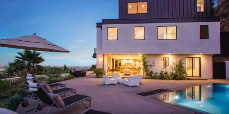 Lit 1 Place Et Demi Bel Inside the House where Demi Lovato Od D—now for Sale Sfgate