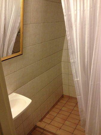 Lit 2 Metre Luxe 9 M¨tres Carré Environ Lit 90 Cm Picture Of Elite Stora Hotellet