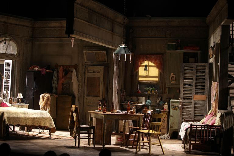 "Lit 2 Places Blanc Charmant the Setting for Williams ""a Streetcar Named Desire"""
