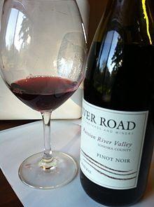 Lit 2 Places Noir Inspirant Pinot Noir