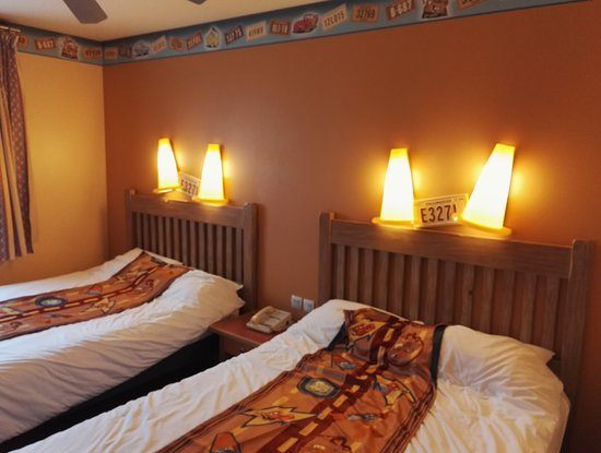 Lit Double Coffre Bel Chambre 2 Lits Double Picture Of Disney S Hotel Santa Fe Coupvray