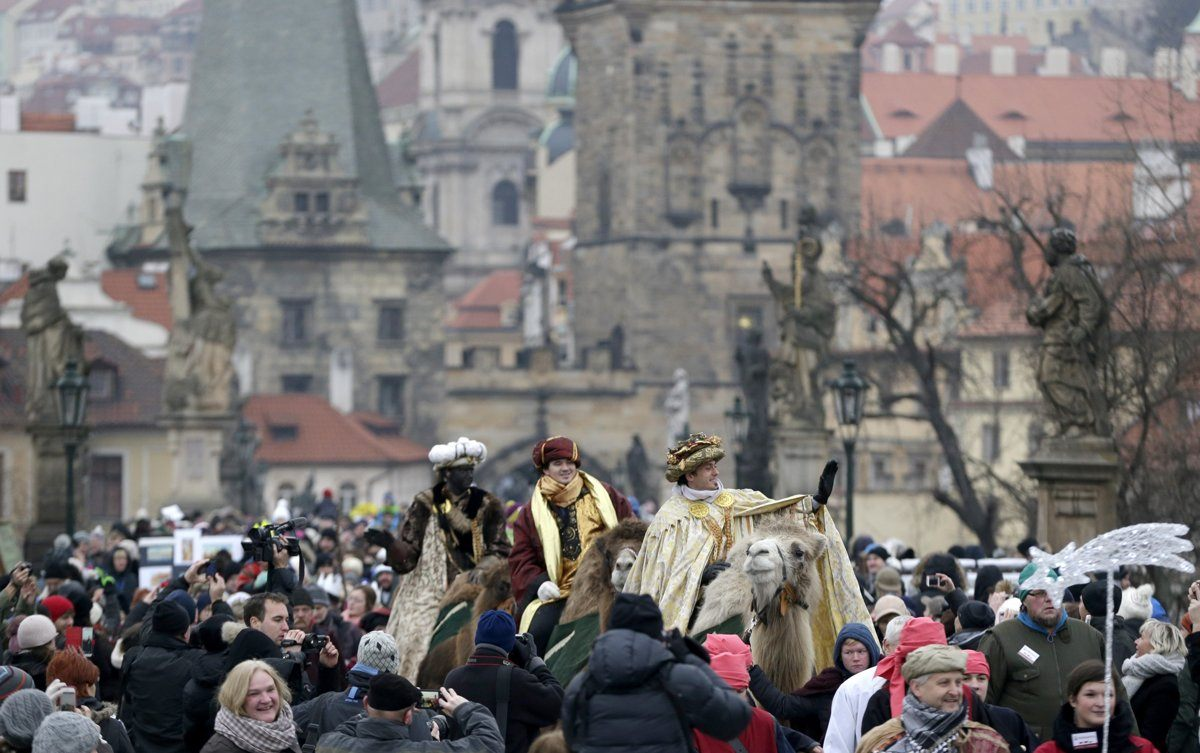 Lit Led 160×200 Le Luxe the Three Kings Will March Through Bratislava On Sunday Spectator