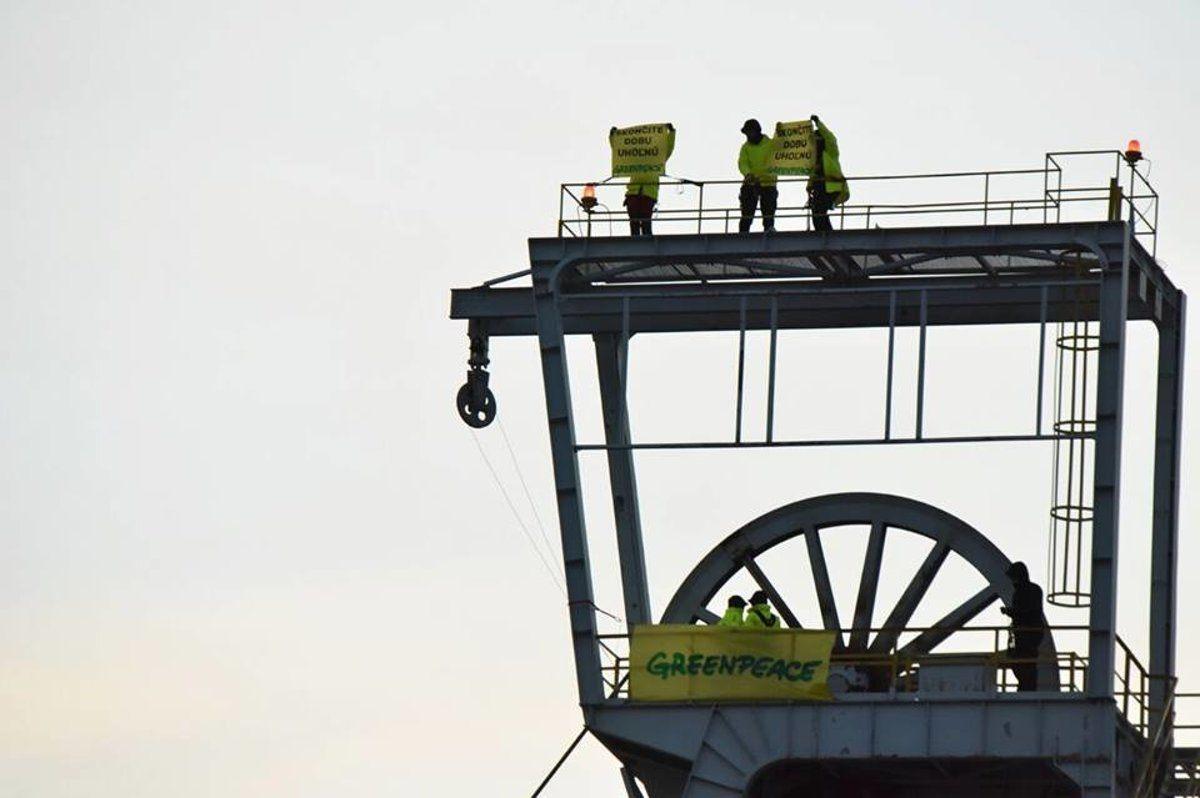 Lit Montessori Ikea De Luxe Greenpeace Activists Protest Coal Mining Spectatore