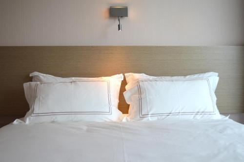 Menzzo Tete De Lit Élégant ОтеРь New Century Hotel 4 Амстердам Бронирование отзывы фото