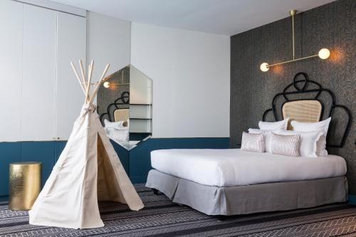 Menzzo Tete De Lit Le Luxe ОтеРь Hotel Panache 4 Париж Бронирование отзывы фото — Туристер Ру