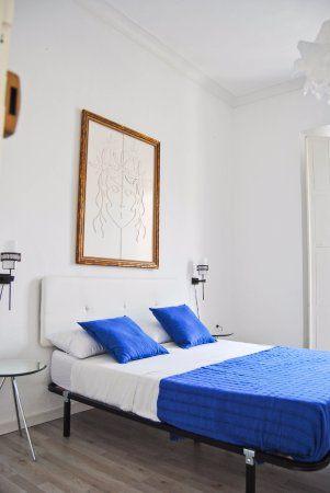 Parure De Lit Marron Agréable Hostel Malaga City Espagne Avis Auberge De Jeunesse
