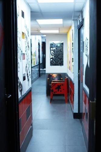 Piqure De Punaise De Lit Chez L Homme Élégant ХостеРJacobs Inn Hostel Париж Бронирование отзывы фото