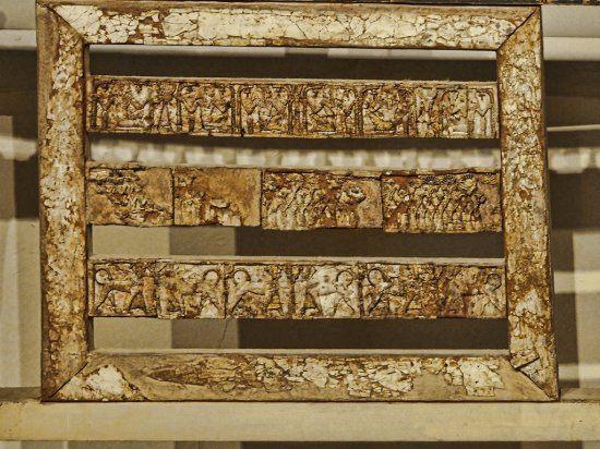 Tete De Lit Beige Joli Tete De Lit Recouverte D Ivoire Picture Of Cyprus Museum Nicosia