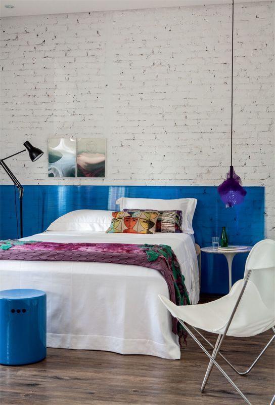 Tete De Lit Bleu Charmant Piece Of Colour Glass Plexiglass Leaned Up Against White Brick