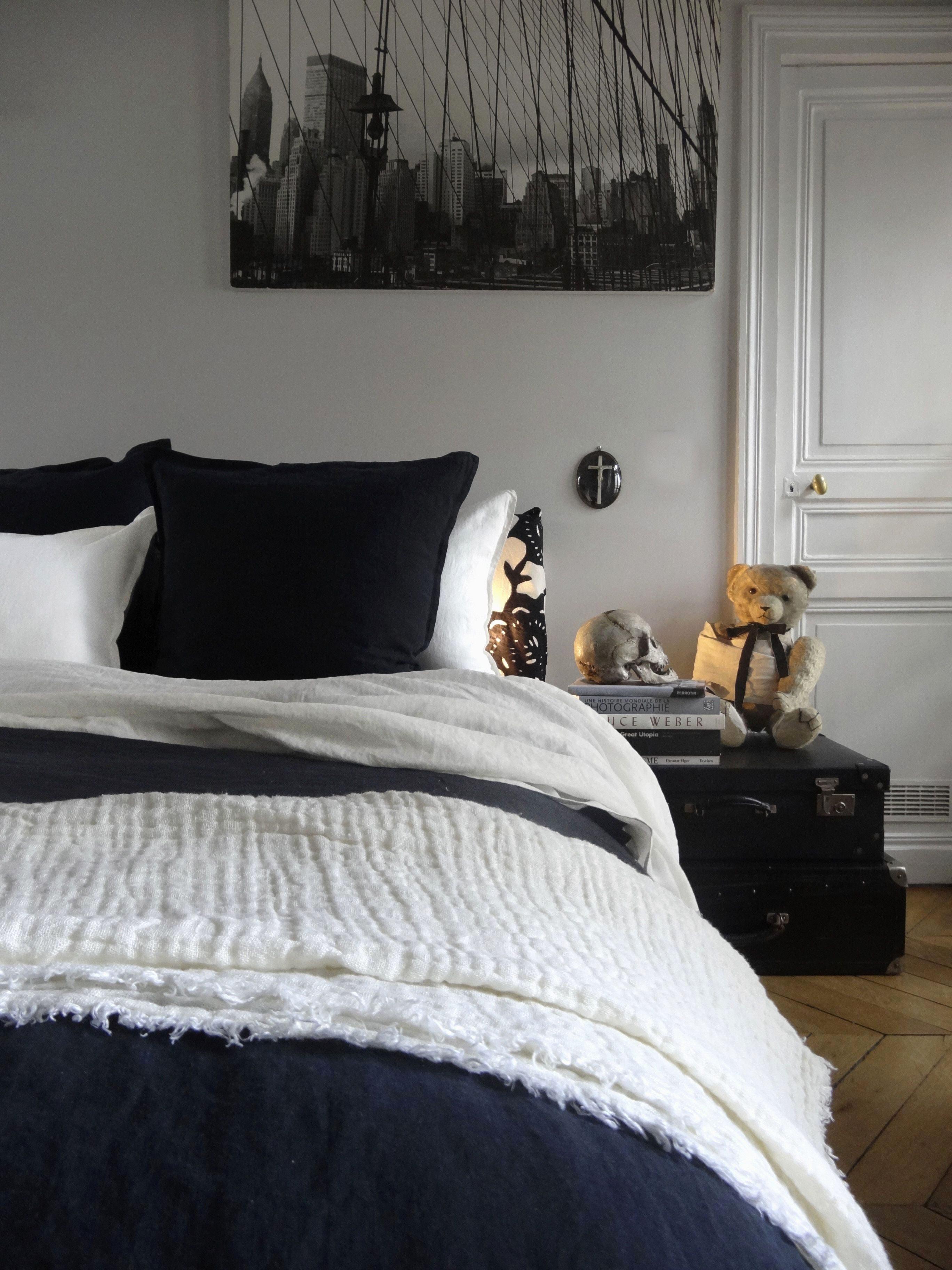 Tete De Lit Deco Impressionnant Chambre Avec Lit Noir De Lovely ¢‹†…¡ Meuble Salle De Bain Darty