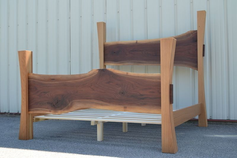 Tete De Lit King Size Impressionnant Custom Made Live Edge Walnut King Size Bed with White Oak Posts