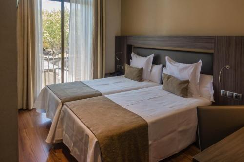 Tete De Lit Menzzo Élégant ОтеРь Hotel Oasis 2 БарсеРона Бронирование отзывы фото
