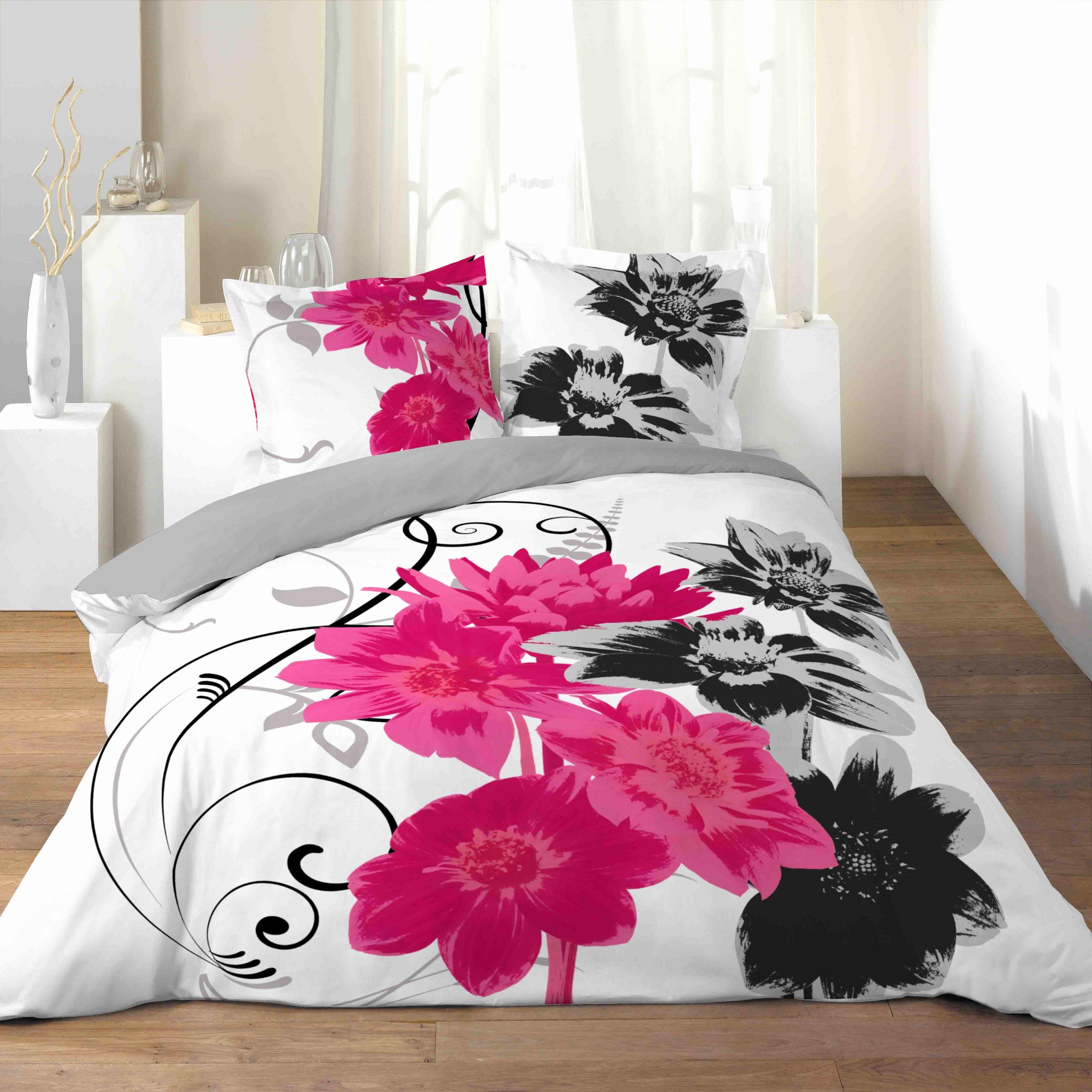 Tete De Lit Rose Poudré Magnifique Linge De Lit Rose Poudré — Laguerredesmots