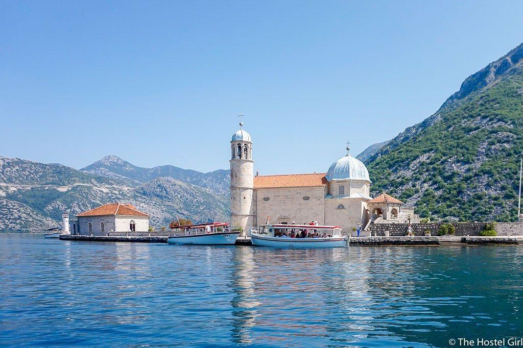 Tour De Lit 360 Fraîche The Legend Of Our Lady Of The Rocks Montenegro The Hostel Girl