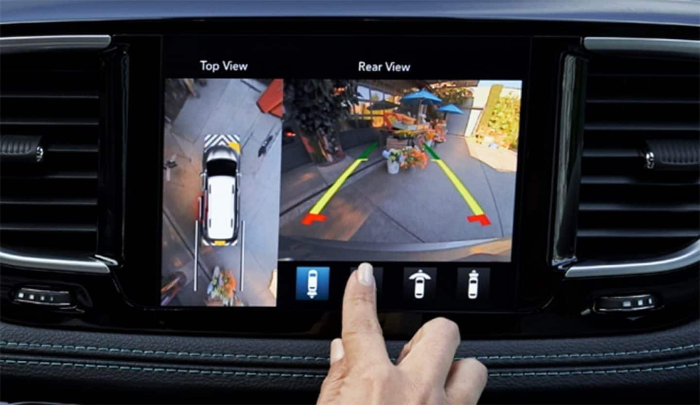 Tour De Lit 360 Le Luxe 2019 Chrysler Pacifica Safety and Security Features