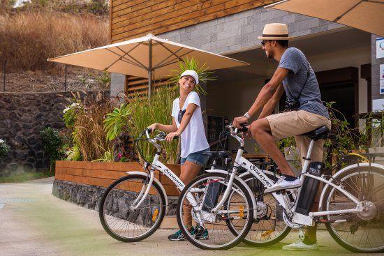 Tour De Lit Bleu Charmant Tama Hotel Updated 2018 Reviews & Price Parison Saint Gilles