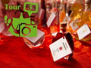 Tour De Lit Bump Élégant tour 3 Local and Regional Products at the Christkindlesmarkt