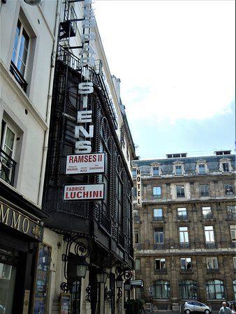 Tour De Lit Complet Beau theatre Des Bouffes Parisiens Paris 2019 All You Need to Know