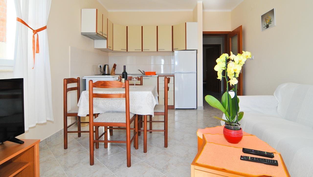 Tour De Lit Fait Main Luxe Apartments Mira Tivat – Tarifs 2018