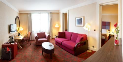 Tour De Lit Nuage Fille Belle ОтеРь Radisson Blu Hotel Paris Marne La Vallée 4 Маньи Ре Онгр