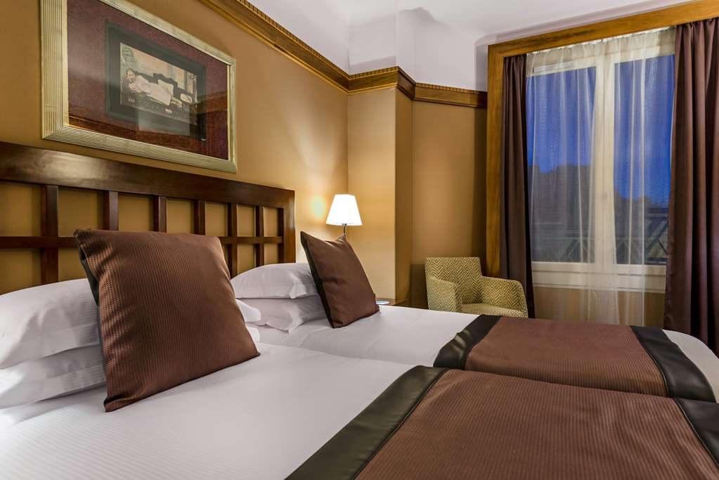 Tour De Lit Petit Bateau Impressionnant Hotel In Paris