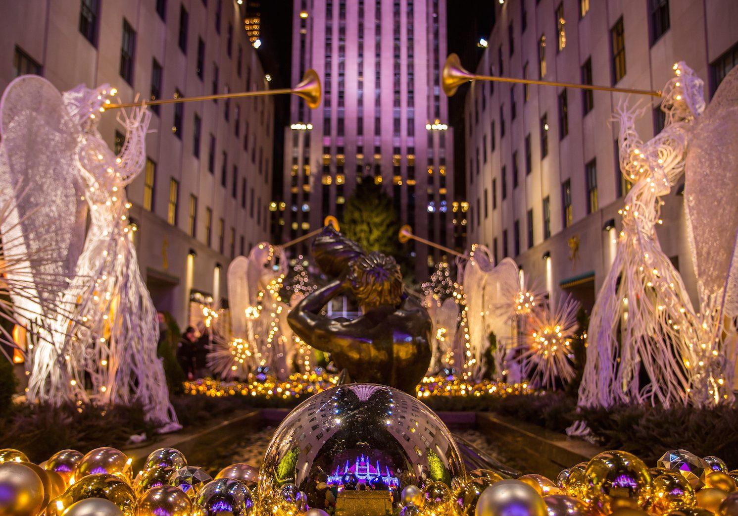 Tour De Lit Violet Fraîche Nyc Christmas Windows A Free Walking tour Self Guided