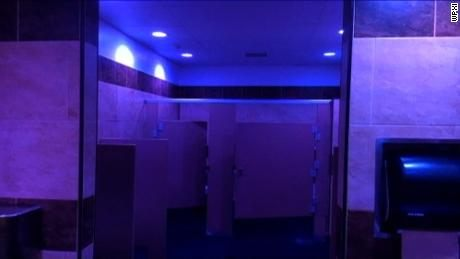 Tour De Lit Violet Joli Gas Station Installs Blue Lights to Bat Use Cnn
