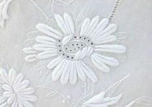 Linge De Lit Carré Blanc Impressionnant Linge De Lit Brodé Napperon Broderie Main Richelieu Royal Sur Lin