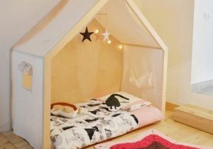 Lit Enfant sol Douce Lit Maisonnette toile Bois Matelas Mobile Bébé étoiles En Tissu